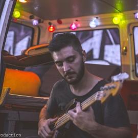 Alberto Cari: Arrangiatore, Assistente alla Produzione, Insegnante, Tribute Band, Strumentista turnista, Musicista...